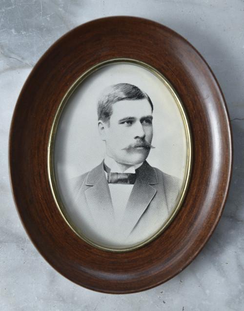 Porträtt av Fredrik Björn.